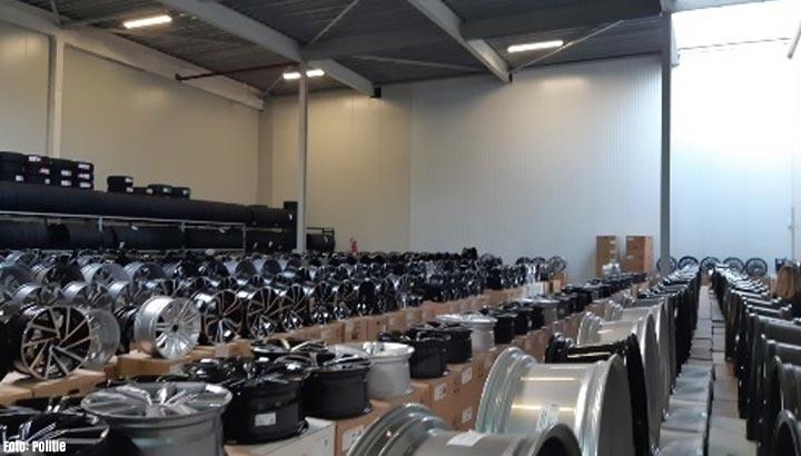 Ruim 1600 namaakvelgen inbeslaggenomen bij bedrijf in Heesbeen