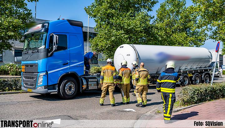 Trekker verliest tankoplegger in Kaatsheuvel [+foto]