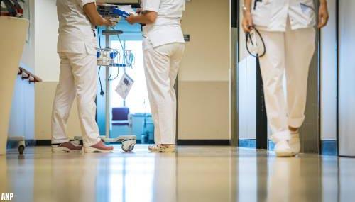 FNV na peiling: zorgsector loopt leeg, medewerkers zijn op