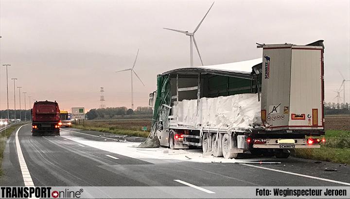 A4 deels dicht door vrachtwagen met gevaarlijke stof [+foto's]