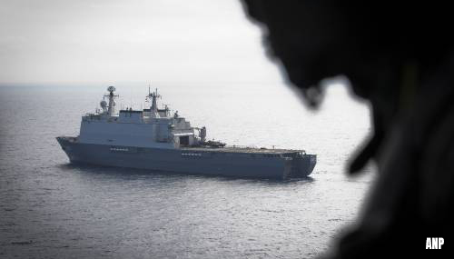 Bemanning Nederlands marineschip niet van boord in Dublin door coronarisico