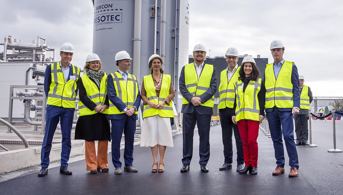 Koning Willem-Alexander opent eerste Nederlandse bio-LNG-installatie