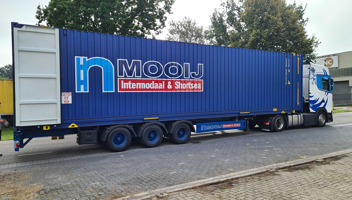 Nico Mooij neemt containers met dubbel-laadvloersysteem in gebruik
