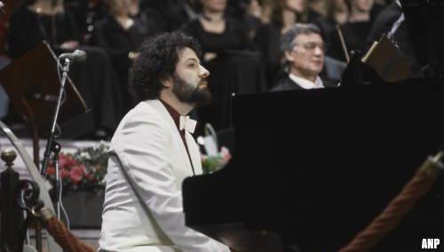 Pianist en orkestleider Nico van der Linden (71) overleden