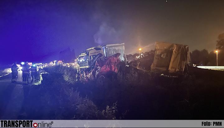 Aanrijding met twee vrachtwagens op N279 [+foto's]