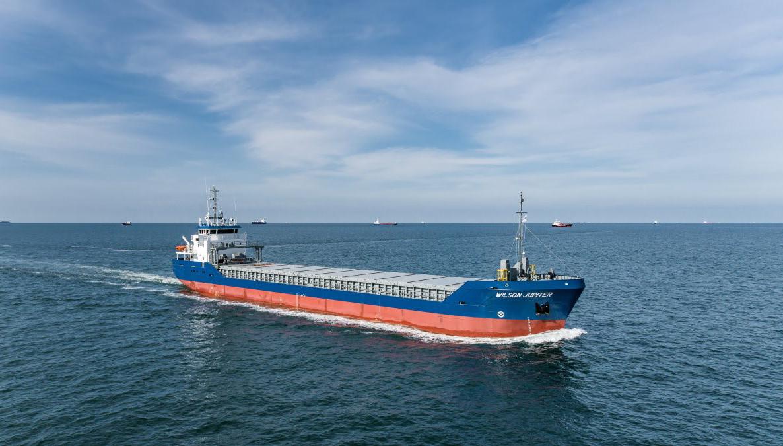 Door VEKA Group geleverd shortsea schip Wilson Jupiter maakt eerste vaart