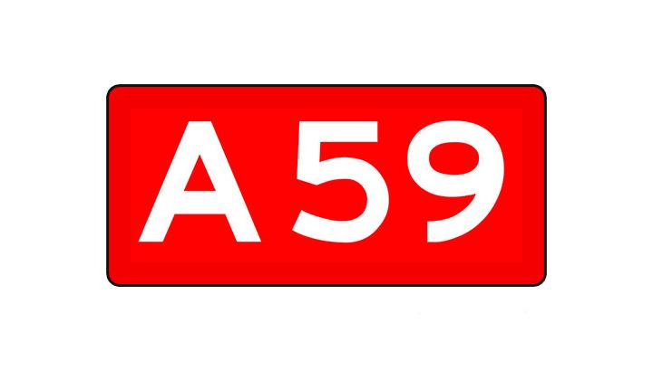 A59 dicht vanwege brandstof op de weg