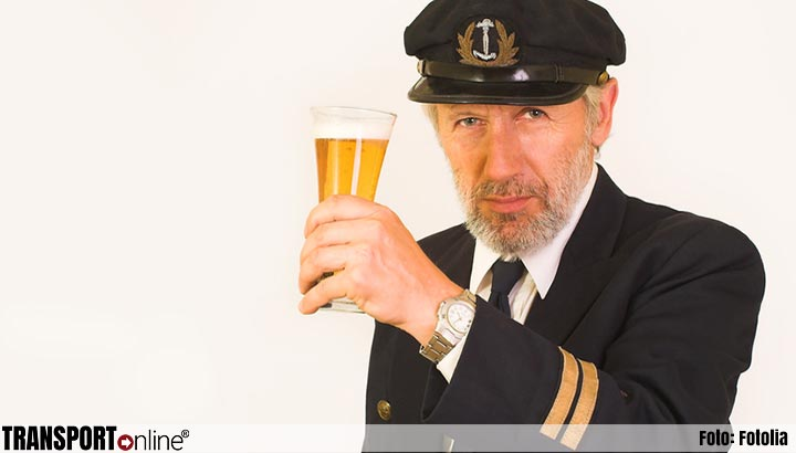 Schipper na aanvaring op Maas aangehouden vanwege alcoholgebruik