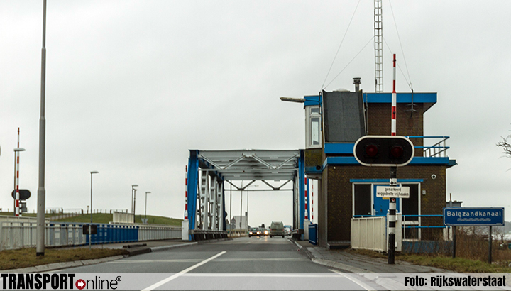 Nachtelijke verkeershinder Kooybrug en Balgzandbrug (N99)