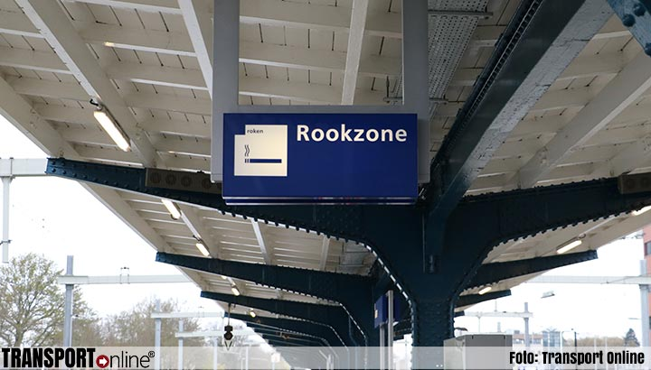 ProRail wil stations helemaal rookvrij