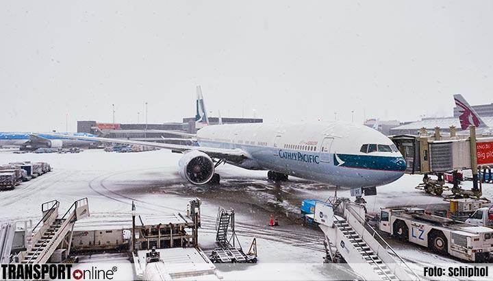 Schiphol waarschuwt voor vertraagde vluchten wegens sneeuw