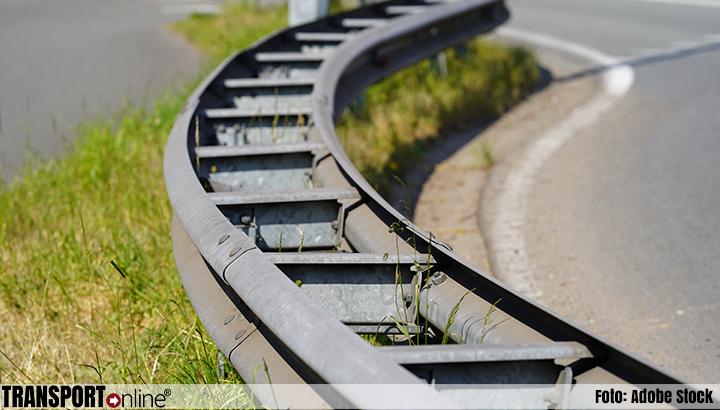 Nederlandse vrachtwagenchauffeur kan rijbewijs inleveren in Duitsland na rammen vangrail