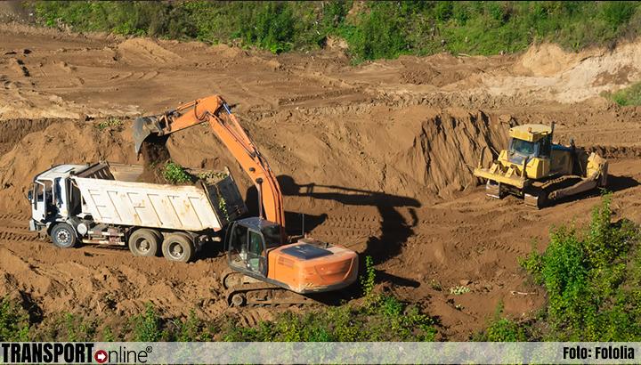Transportbedrijven vrezen voortbestaan door regels vervuilde grond
