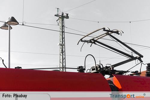 Migrant geëlektrocuteerd bovenop trein