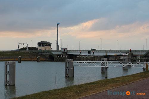 Avond- en nachtafsluiting Friese bruggen