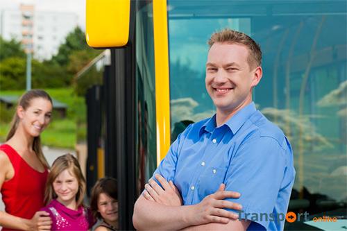 KNV enthousiast over verlaging minimumleeftijd buschauffeurs