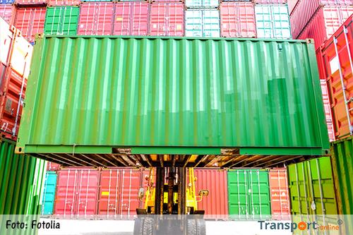 Mensen mogen aangespoelde spullen uit containers meenemen [+foto's]