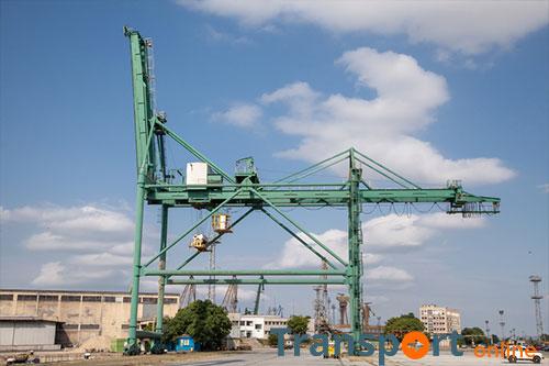 Twee havenarbeiders dood na val uit hoogwerker in Antwerpse haven