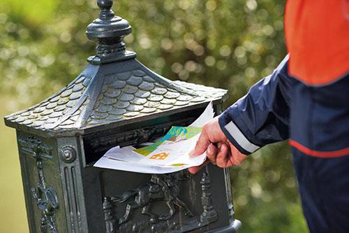 'Postbedrijven laks met contracten bezorgers'