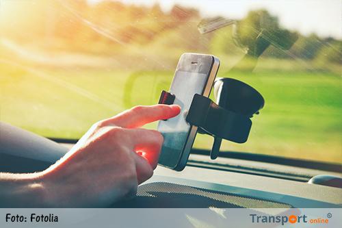 België: 69 procent vrachtwagenchauffeurs geeft toe sms of mail te lezen tijdens het rijden