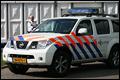 Dronken man rijdt politieauto aan
